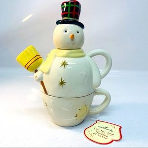 Teapot Tea for One Snowman Hallmark z 01